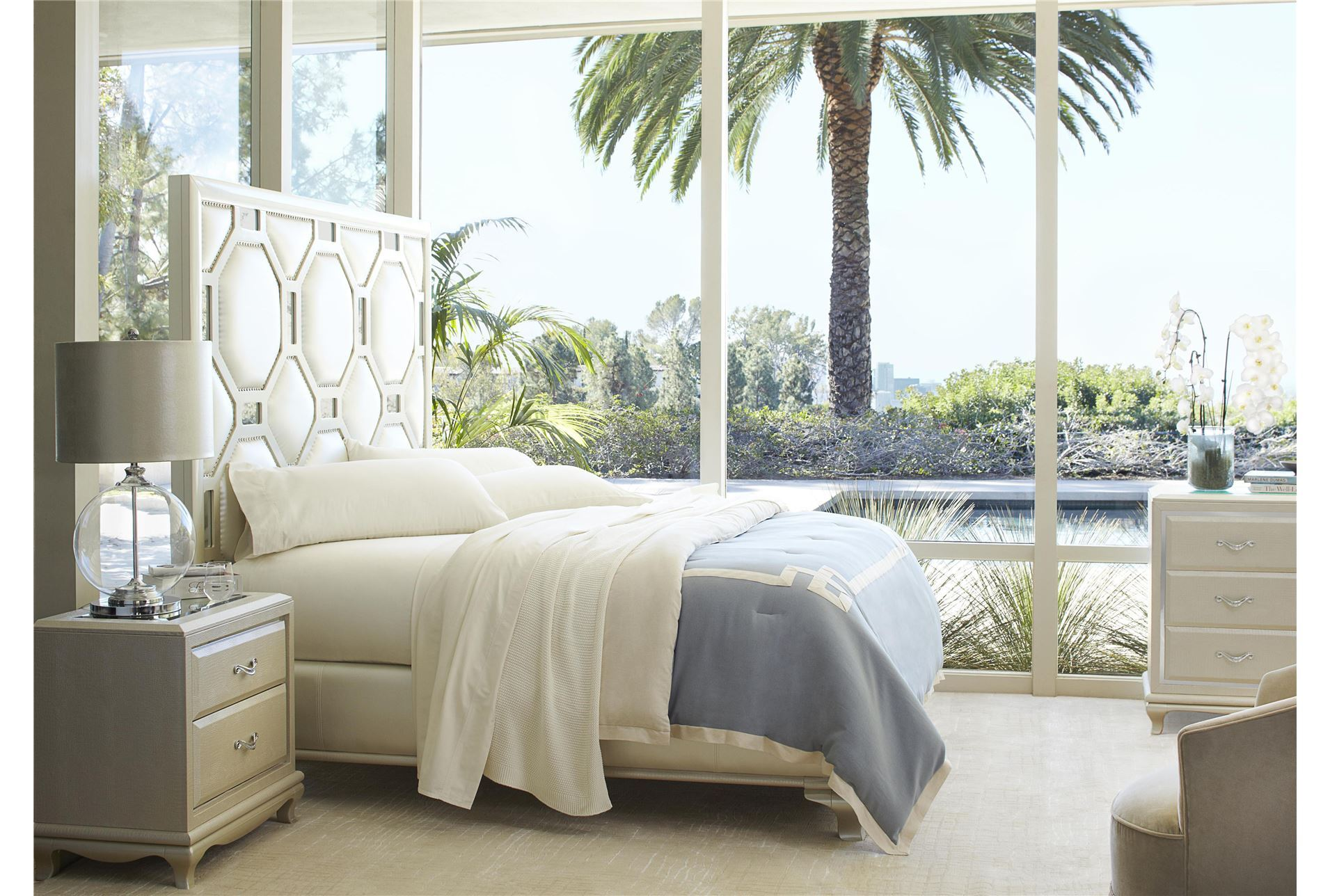 After Eight Pearl Queen Size White Bed. 7 Beautiful White Queen Size Beds From US Stores   Cute Furniture