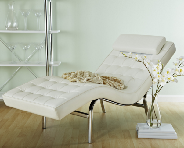 White Valencia Chaise Louge