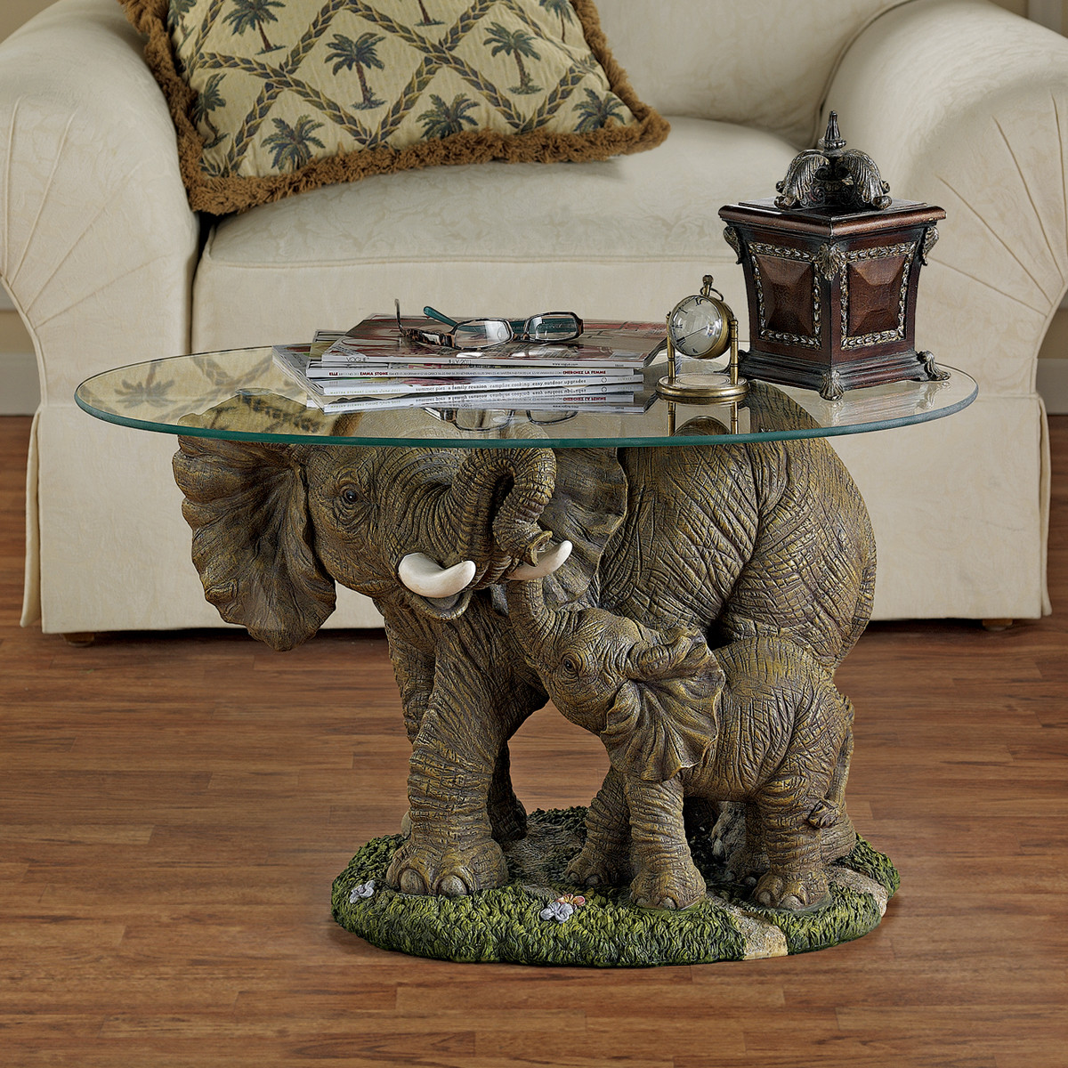 7 Unique Coffee Tables With Sculpture Base