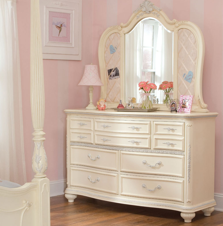 7 cute white dressers for girls room cute furniture - White bedroom furniture for girl ...