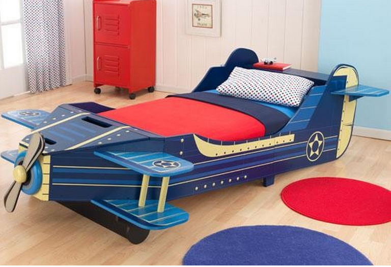 Cute Airplane Convertible Toddler Bed
