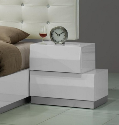modern bedroom nightstands 7 modern white nightstands for a contemporary bedroom 12501