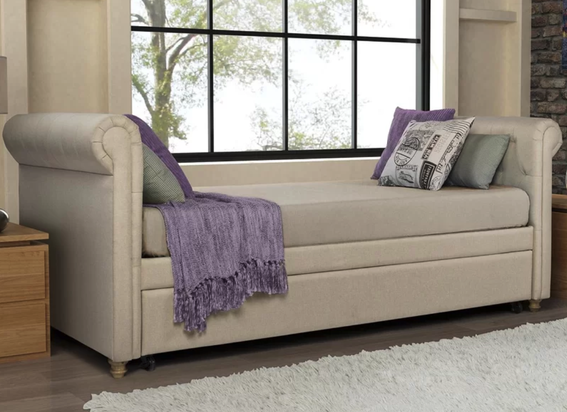beige-daybed