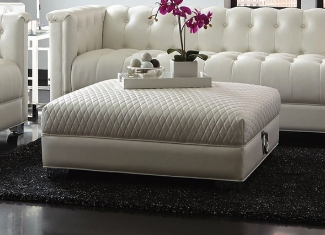 coaster-chaviano-large-ottoman-with-quilted-top